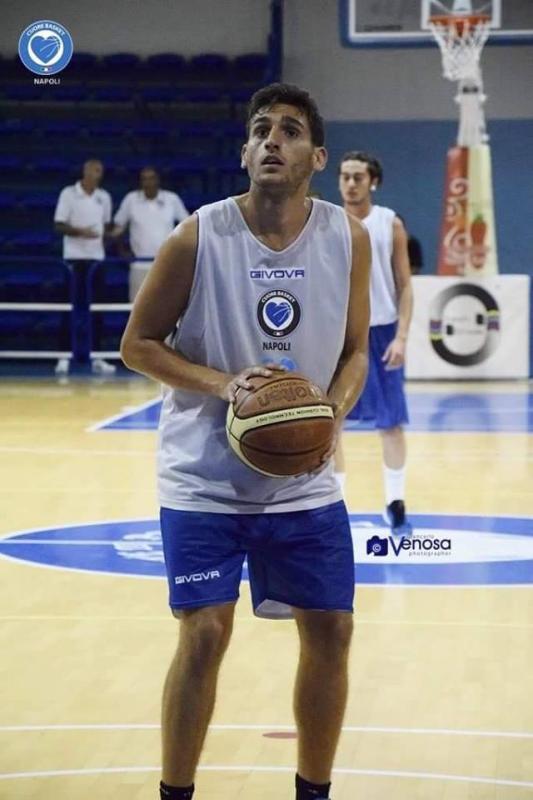 Cuore Napoli Basket - Ingaggiato per la stagione 2016/17 il play/guardia Lorenzo Perrella.